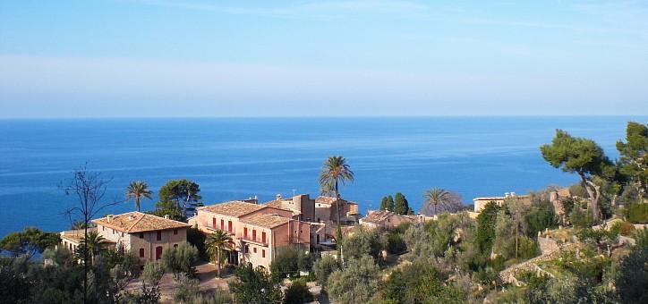 Villa y posesión con vistas al mar en la costa oeste de Mallorca